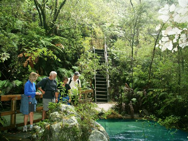 Tarawera Falls / Hot Water Beach