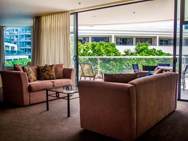TWIN TOWER Two Bedroom - Garden & Pool View