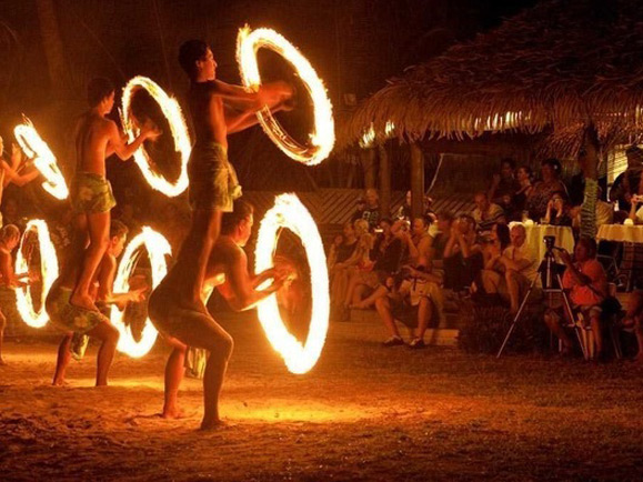 ico-martini Dining & Entertainment