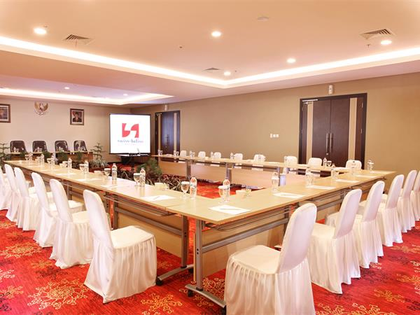 Banquets and Meetings