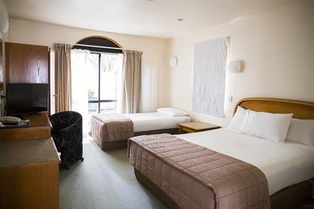 7 Nights Room