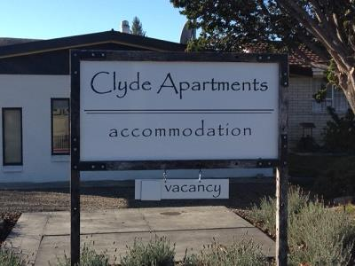 Clyde Motel