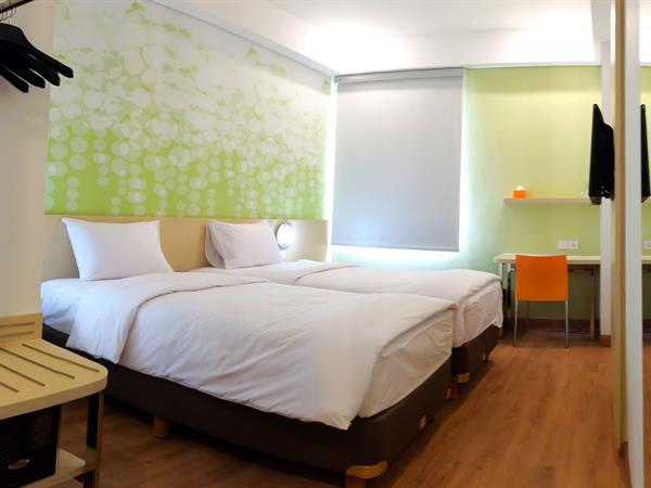 Zest Hotel Jemursari Surabaya Rooms