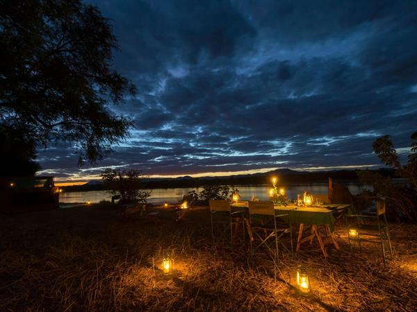Walking/Canoe Safari PNG Trekking Adventures - Zimbabwe