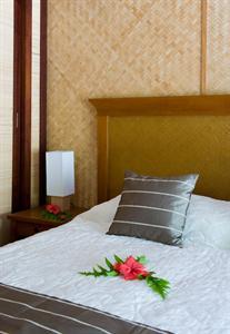 Tapa Bungalow Hotel Maitai Rangiroa