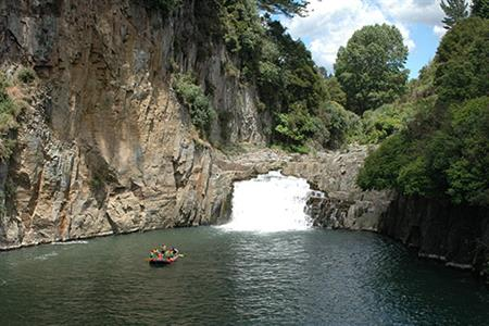 Rangitaiki Grade 2 Scenic Trip River Rats Raft & Kayak