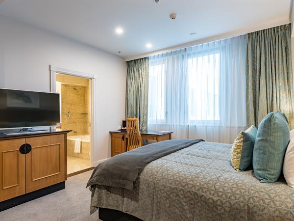 Classic King Room Distinction Christchurch Hotel