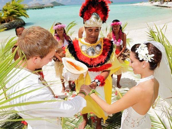 Aro Tai, Mariage sur la plage Le Bora Bora