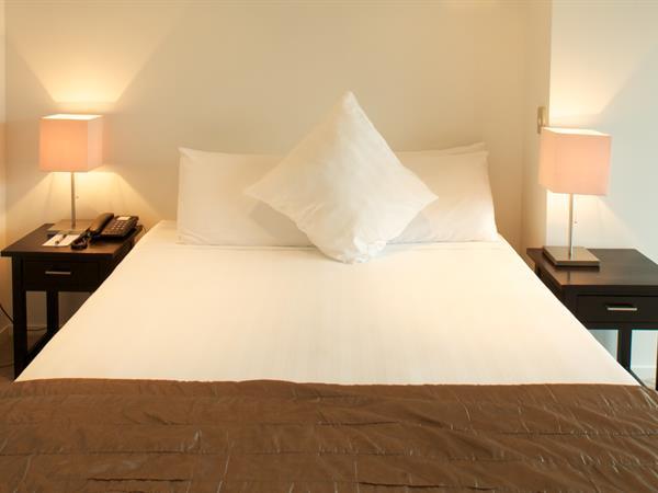 Superior One Bedroom Apartment Distinction Wellington Century City Hotel