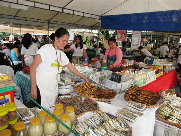 Salcedo Community Market Valero Grand Suites by Swiss-Belhotel Makati