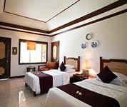 Superior Wing Room