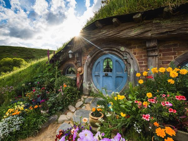 Hobbiton Movie Set Tour Distinction Hamilton Hotel & Conference Centre