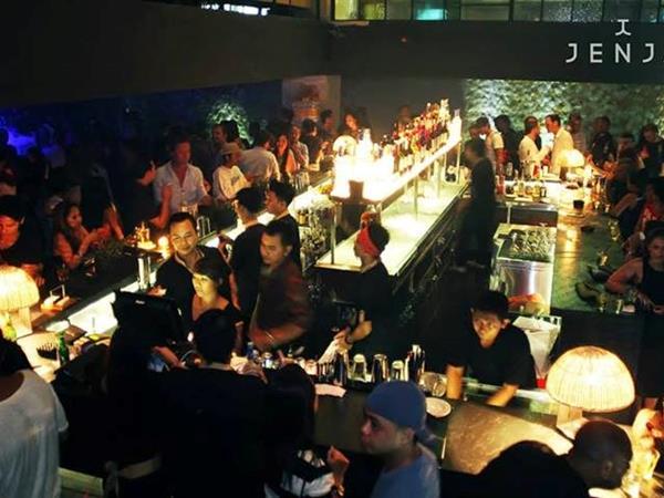 Jenja Club Townhouse Zest Legian, Bali