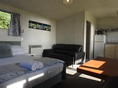 Ensuite Studio Unit 9