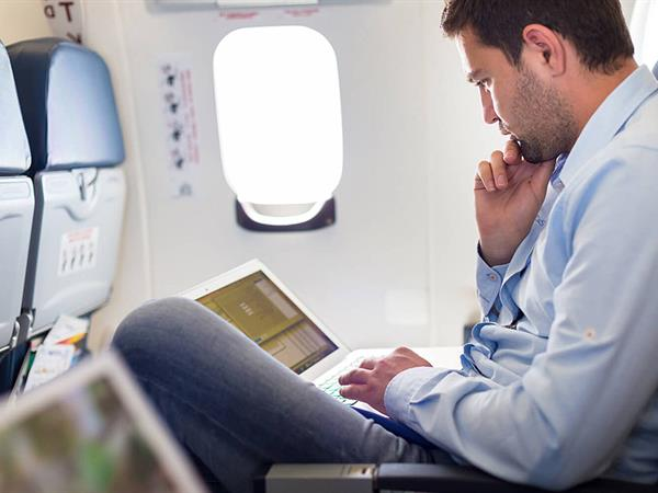 4 Tips for Staying Productive on Your Next Flight