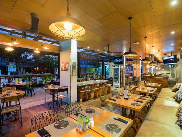 JAEN bar & kitchen Zest Legian, Bali