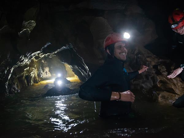 TumuTumu TOObing® 怀托摩洞穴探险 Waitomo Adventure Centre