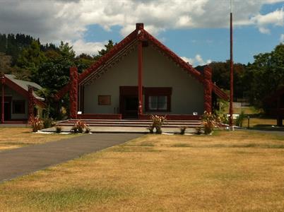 Rotorua & Waitomo Happy NZ Tours