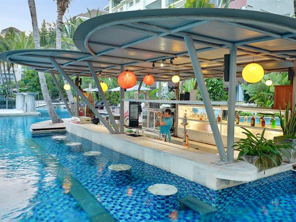 Lagoon Pool Bar Swiss-Belresort Watu Jimbar