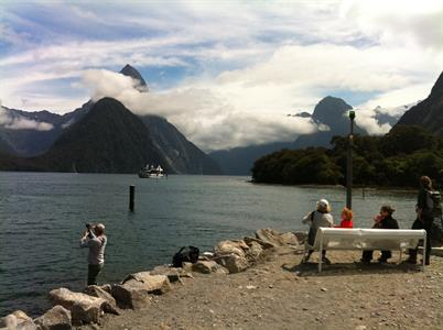 South Island - Queenstown, Milford Sound, Mt Cook (glacier experience) & Christchurch