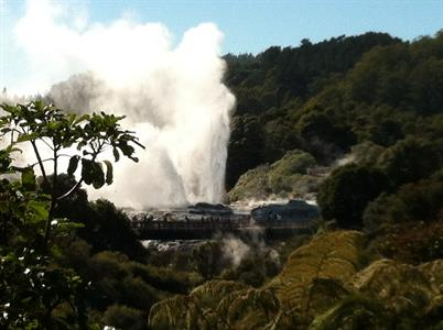 Volcanic Plateau Happy NZ Tours