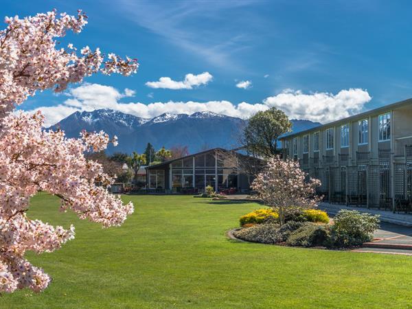 Te Anau 2021/22 Reservations Distinction Te Anau Hotel & Villas