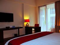 Premier Room 100 Sunset 2 Hotel