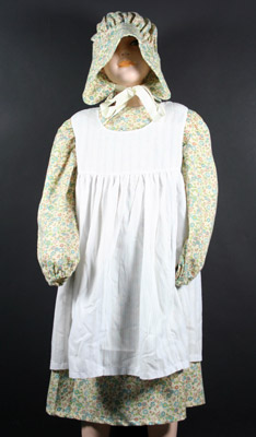 Dress with Apron & Bonnet HC72/1-2