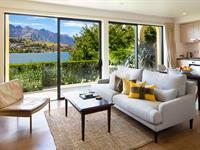 1 Bedroom Lakefront Suite Villa del Lago