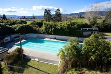 Family Pass Opal Hot Springs & Holiday Park