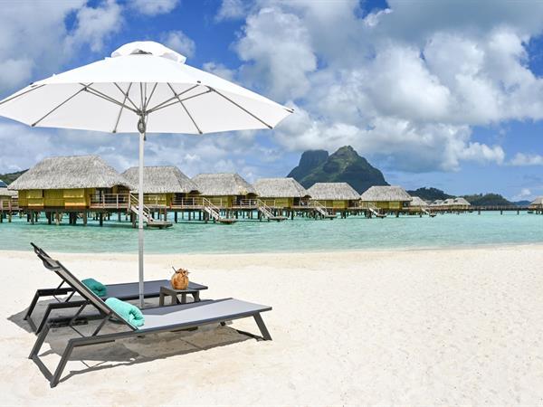 Grazia - On en rêve pour 2018 : les meilleurs hôtels de plage au monde Le Bora Bora by Pearl Resorts