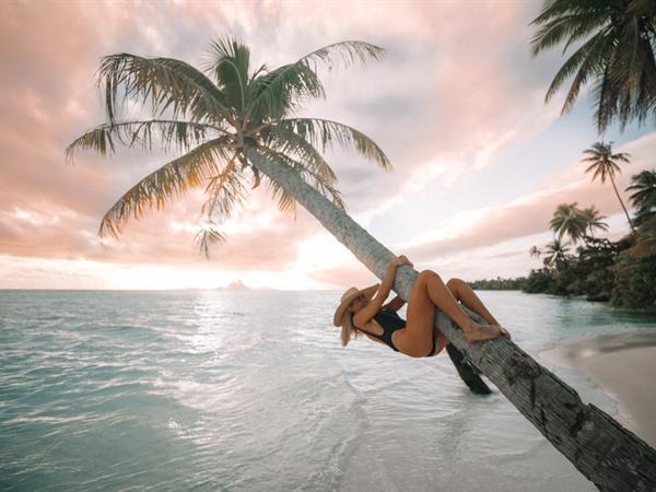 Barefoot Blonde - Fun in the Sun : Tahiti Travel Diary Le Taha'a Island Resort & Spa