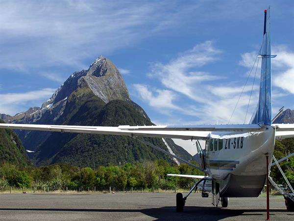 8 Day - Taste of Both Island Tour Exclusive Tailored Luxury New Zealand Tours