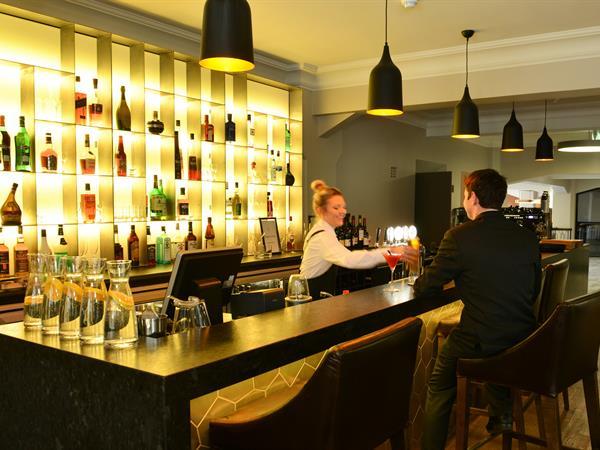 Post Bar Distinction Dunedin Hotel