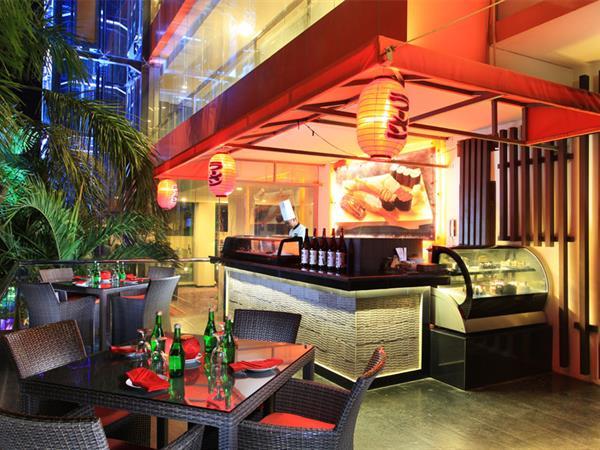 Corner 9 & Lobby Lounge Swiss-Belhotel Silae Palu