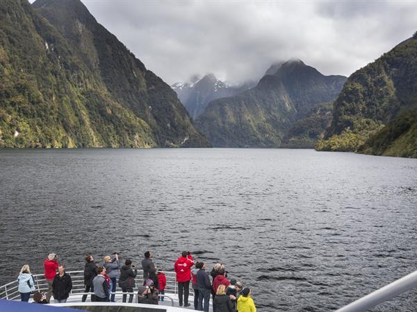 Fiordland Explorer Distinction Luxmore Hotel Lake Te Anau