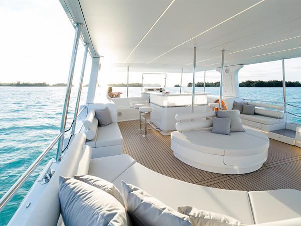 Découvrez les trésors cachés d'une croisière au coucher de soleil à Bora Bora avec notre catamaran solaire... Bora Bora Pearl Beach Resort & Spa