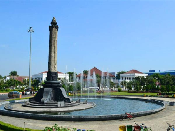 Tugu Muda Hotel Ciputra Semarang