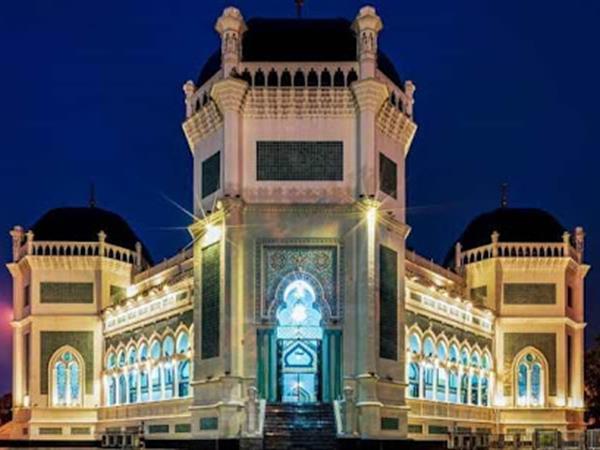 Masjid Raya Al Mashun Swiss-Belinn Medan