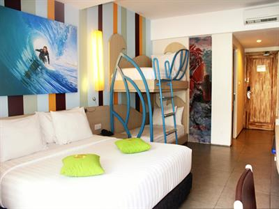 Family Suites Bliss Surfer Hotel