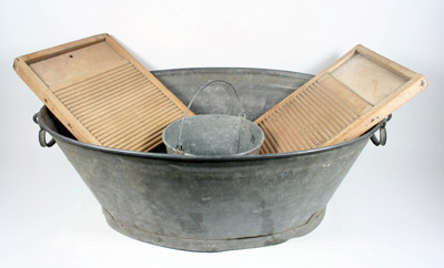 Wash Tub, Bucket, Boards & Pegs HC119