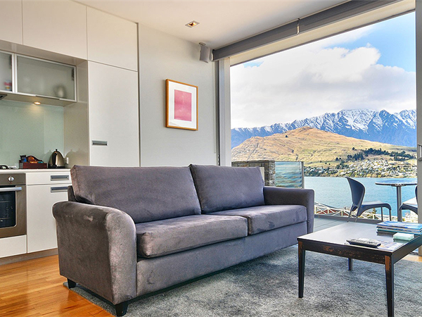 Lake View Swiss-SuperSuite One Bedroom
