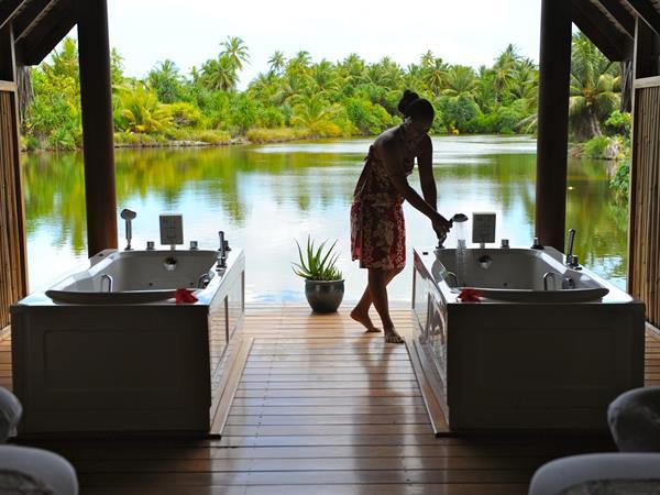 The Spa: Le Taha'a Island Resort & Spa
