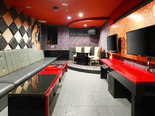 B-One Karaoke dan Bar Swiss-Belhotel Maleosan Manado
