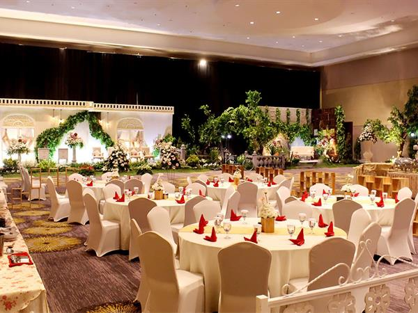Wedding package 2018 swiss belhotel cirebon wedding package swiss belhotel cirebon wedding package swiss belhotel cirebon junglespirit Image collections