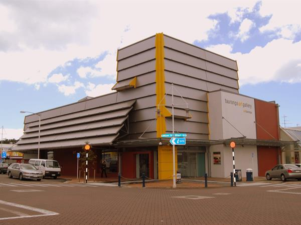 Tauranga Art Gallery Harbour City Motor Inn Tauranga Motel