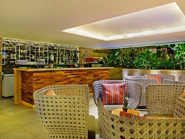Lila Bar Swiss-Belhotel Tuban