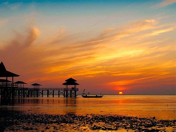 Kenjeran Beach Zest Jemursari, Surabaya