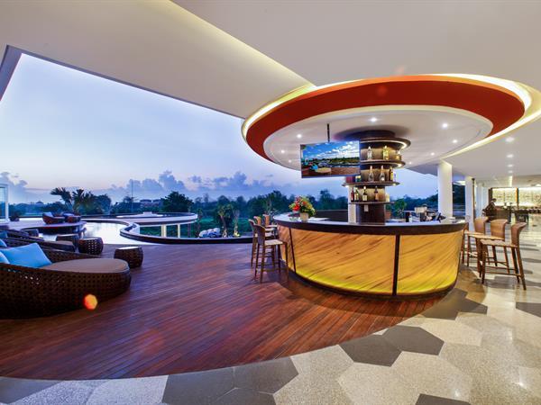 Cinnamon Lounge Bar Swiss-Belresort Pecatu