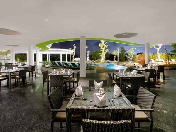 Lemongrass Pool Bar Swiss-Belresort Pecatu